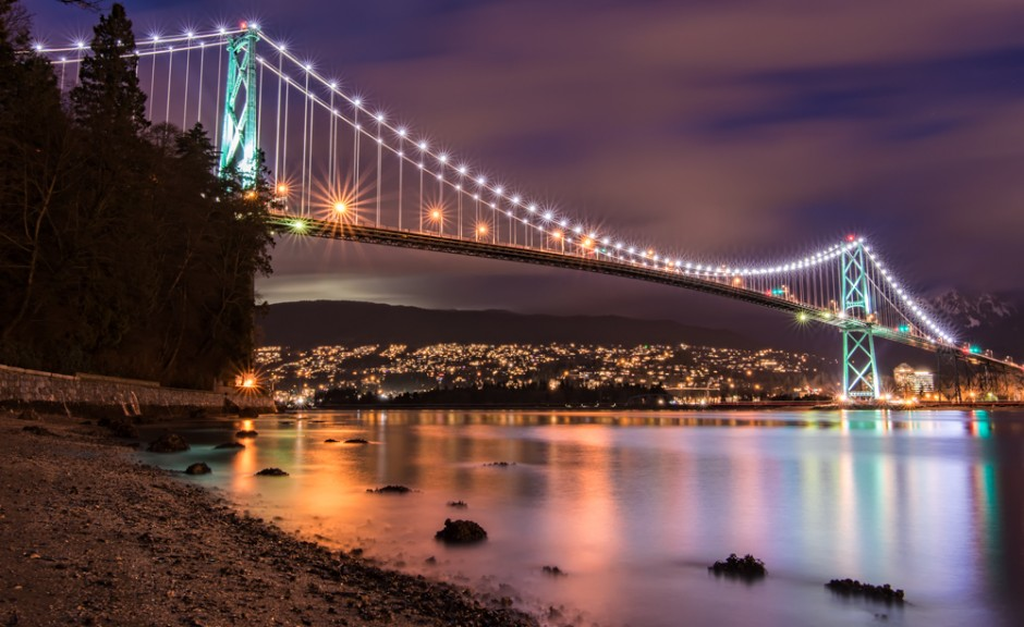 It was an unseasonably clear Winter day here in Vancouver so I headed down to Stanley Park to take some photos. This is Lions Gate Bridge during evening rush hour.